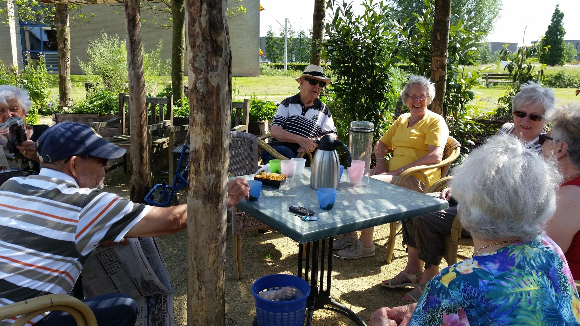 Eetbaar IJsselstein, Hooghe Camp tuin, tuinieren, natuur, IJsselstein, ontmoeten, terras
