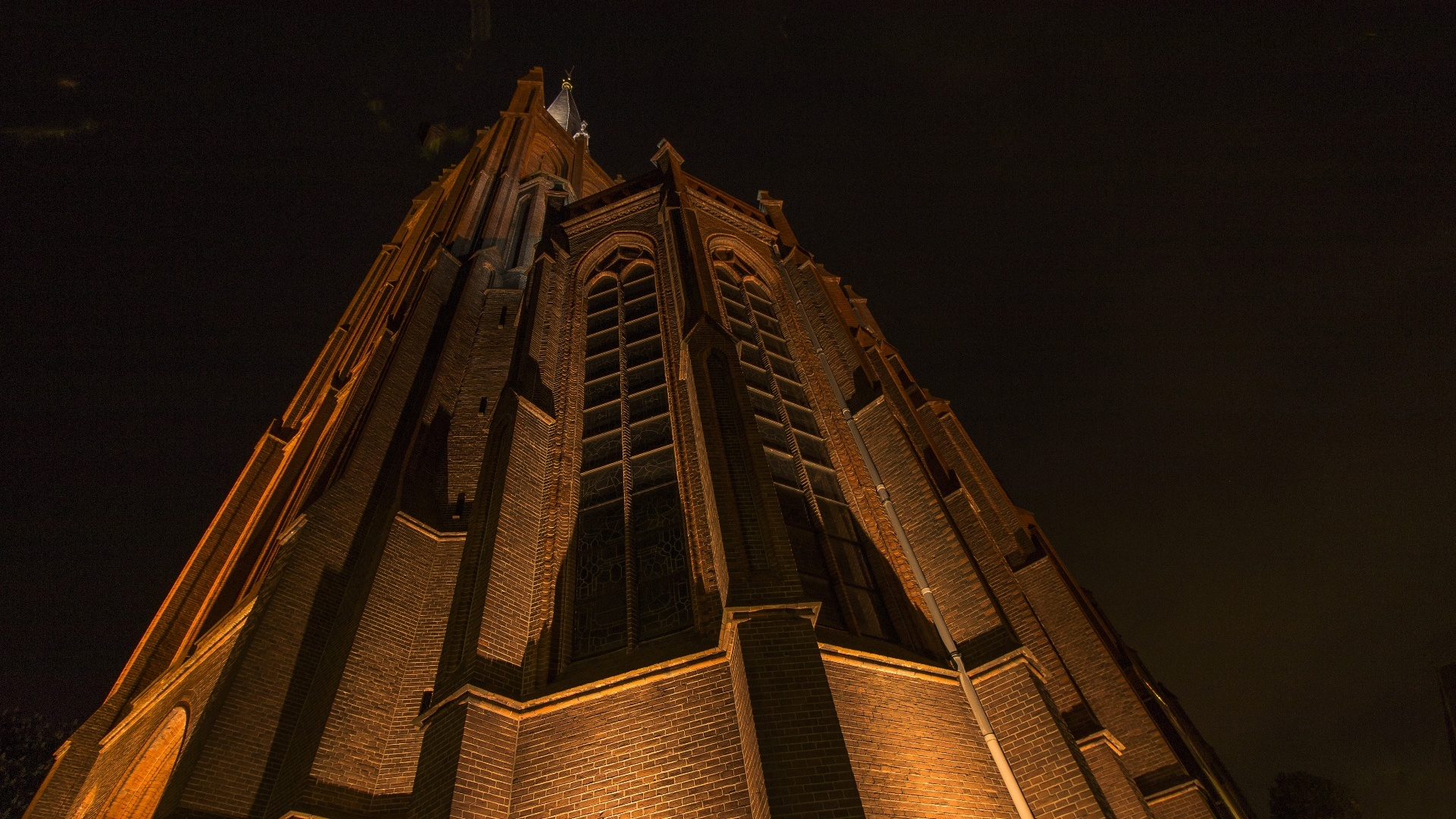 Verlichte Sint Nicolaasbasiliek I Foto: Jaco Schinkel
