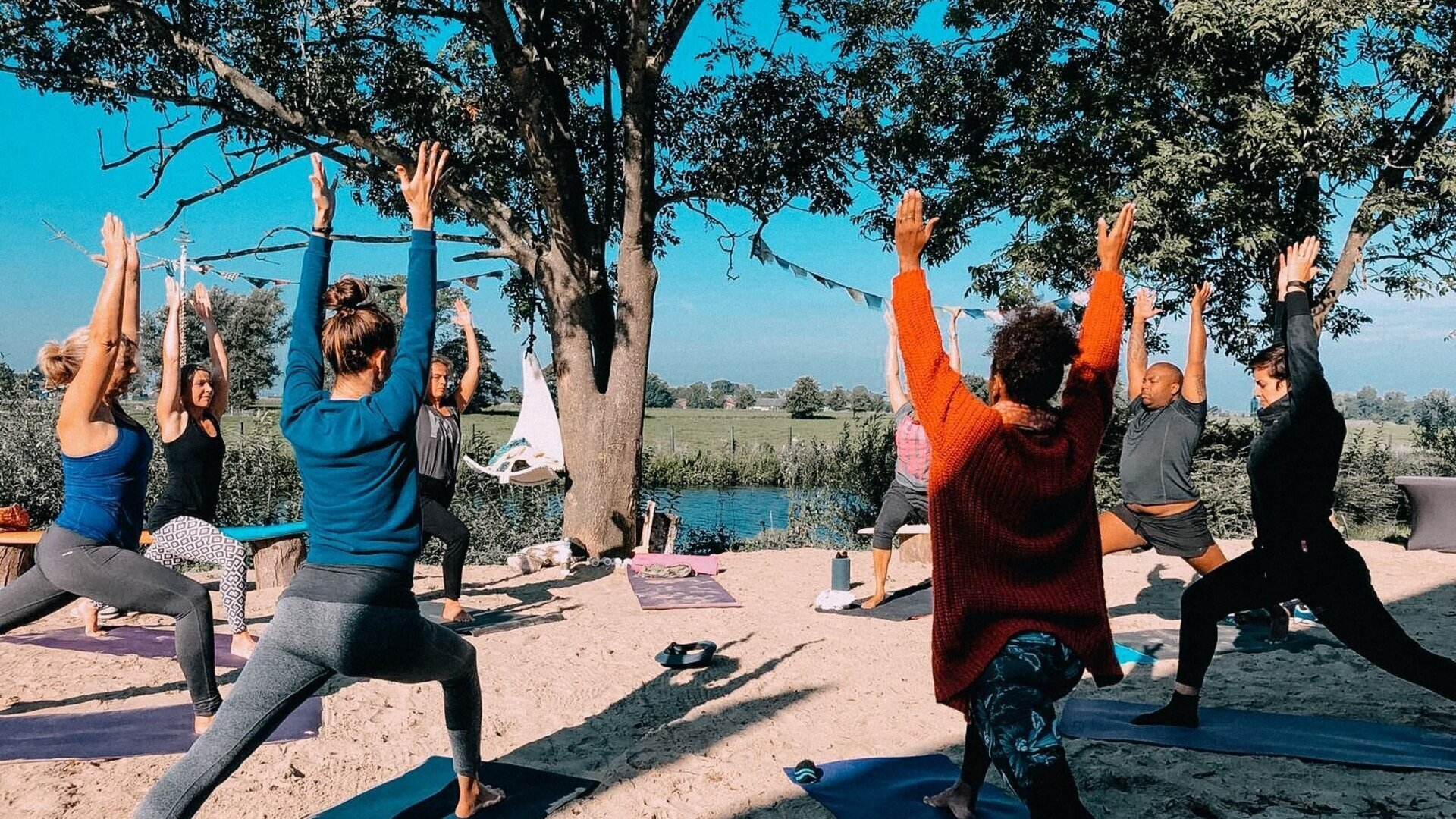 sup-beach11-yoga.jpg